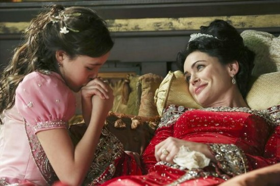 Once Upon a Time Season 2 Episode 15 The Queen is Dead (4)