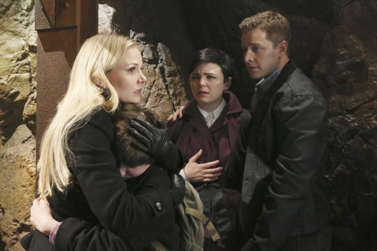Once Upon a Time Season 2 Episode 22 And Straight On 'Til Morning (2)