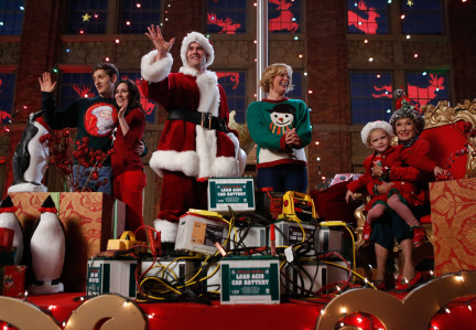 Raising Hope Episodes 9 & 10 The Chance Who Stole Christmas;Bee Story (14)