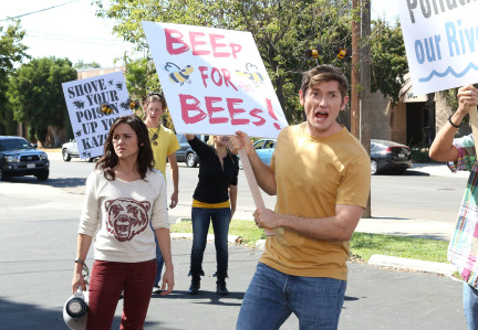 Raising Hope Episodes 9 & 10 The Chance Who Stole Christmas;Bee Story (19)