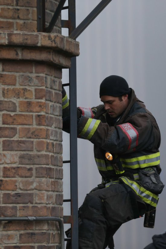 Chicago Fire Season 2 Episode 12 Out With a Bang (3)