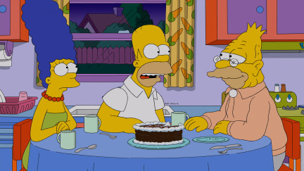 The Simpsons Season 25 Episode 21 Pay Pal (2)