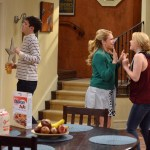 Melissa & Joey Season 3 Episode 32 Right Place, Right Time (7)