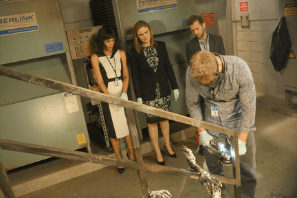 Bones Season 10 Episode 5 The Corpse at the Convention (2)