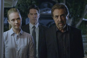 criminal minds 105 boxed in 01