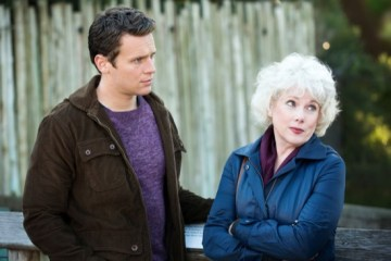 Looking Looking for Sanctuary Season 2 Episode 9 01