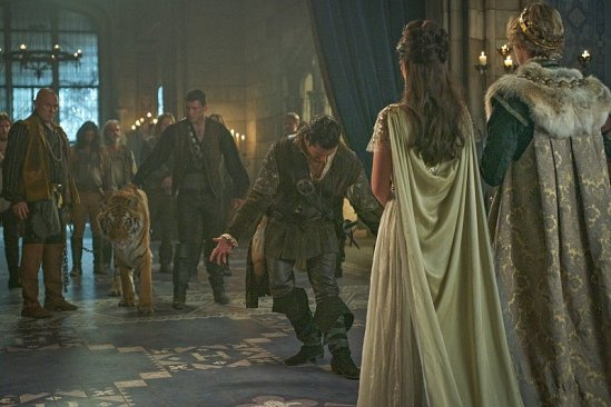 """Reign """"Three Queens, Two Tigers"""" Season 3 Premiere 2015 (6)"""