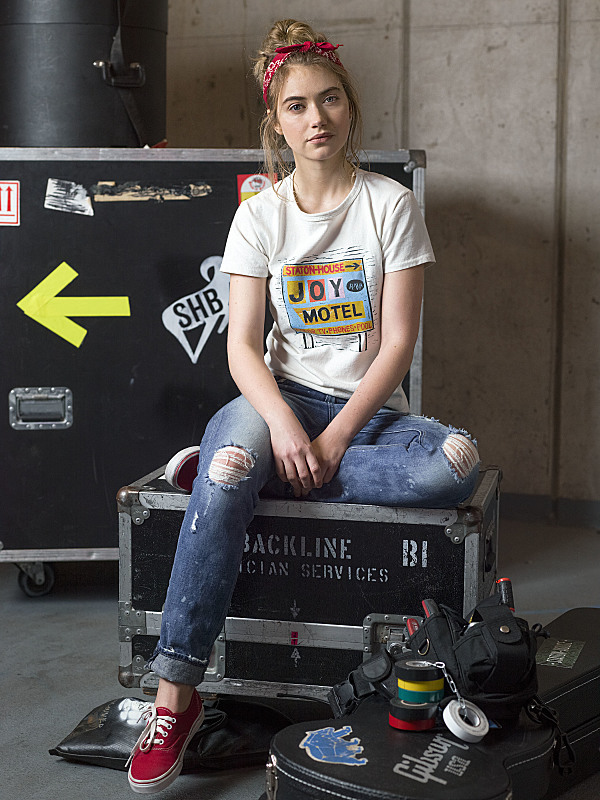 Imogen Poots as Kelly Ann in Roadies. Photo: Mark Seliger/SHOWTIME