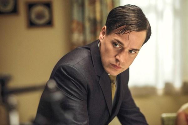 Grey Anatomy Vet T. Knight Lands Role Abc Tv Insider