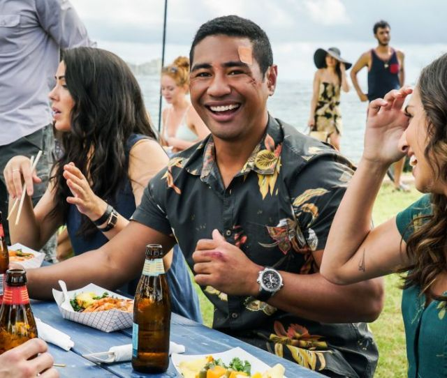 Hawaii Five 0 Star Beulah Koale On Juniors Emotional Storyline