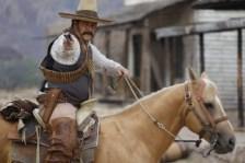 Actor Enoc Leano como Pancho Villa en el documental de Discovery en Espanol, PANCHO VILLA: SE BUSCA VIVO O MUERTO. Estreno 25 de septiembre a las 9PM. (PRNewsFoto/Discovery en Espanol)