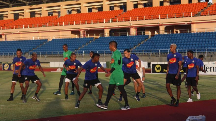 La Sele pis el Kirani James Athletics Stadium de Granada