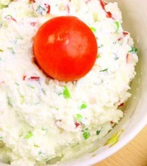 Салат с мягким творогом. Нежный диетический и очень полезный.