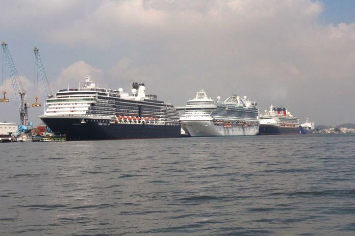 Resultado de imagen para Llegaron a Mazatlán tres cruceros turísticos