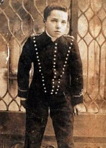 Chaplin dans Sherlock Holmes entre 1903 et 1906