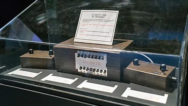 The Brown Box, prototype fabriqué en 1968 de ce qui allait devenir en 1972 l'Odyssey de Magnavox.