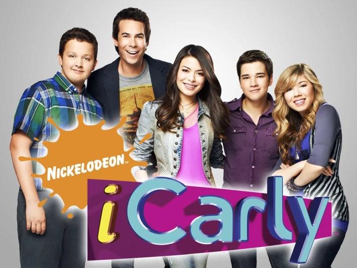 Noah Munck, Jerry Trainor, Miranda Cosgrove, Nathan Kress, et  Jennette McCurdy dans iCarly sur Nickelodeon.