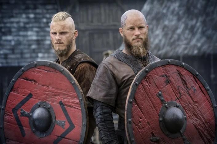 Alexander Ludwig et Travis Fimmel : Vikings saison 4 partie 2