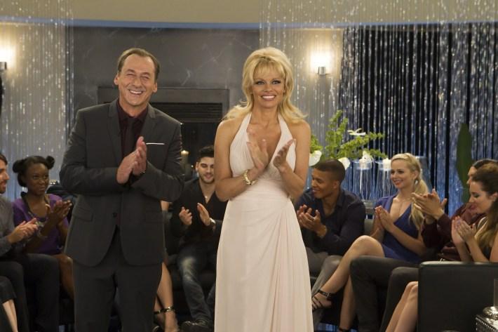 Sur-Vie Luc Picard et Pamela Anderson
