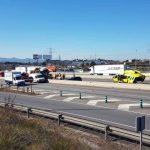 Un accident entre diversos camions a l'AP7 a l'altura de Sant Cugat provoca llargues cues
