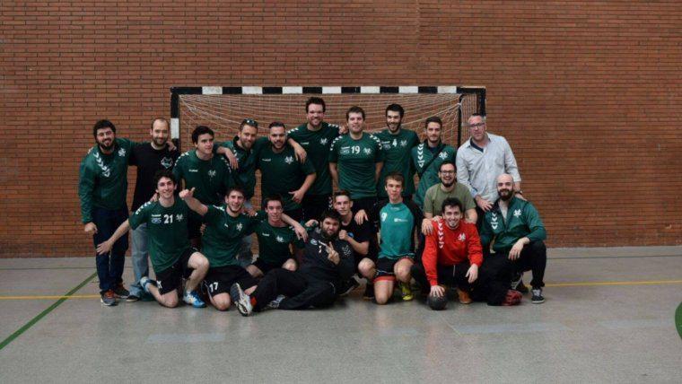 Homenatge a Sergi Porteros al derbi entre l'Handbol Sant Cugat i el Valldoreix