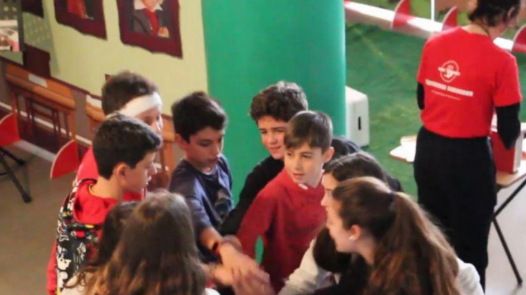 Santcugatencs creen un Escape Room portàtil contra el bullying