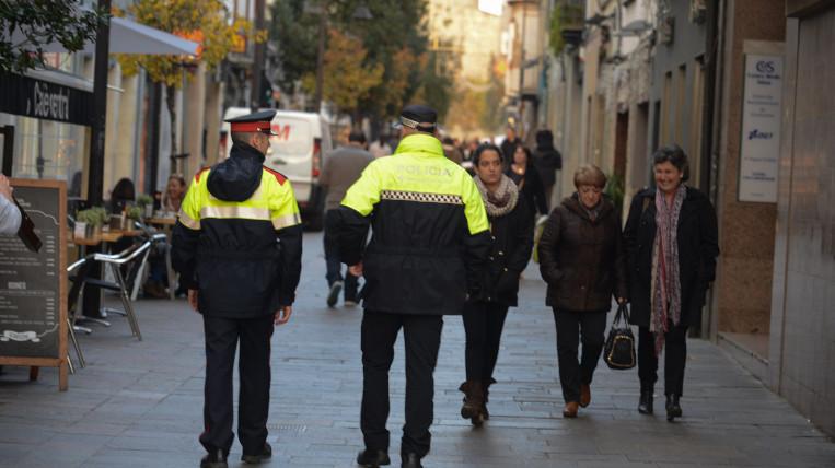Detenen tres lladres d'una casa del carrer Villà de Sant Cugat