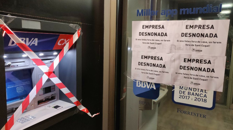 """Arran Sant Cugat denuncia """"l'ofec immobiliari"""" de la ciutat i n'assenyala als seus responsables"""