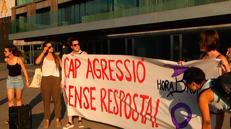 concentracio-HoraBruixa-cap-agressio-sense-resposta