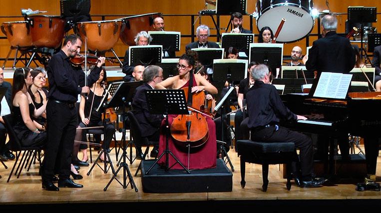 L'Orquestra Simfònica Sant Cugat interpreta el triple concert de Beethoven amb una sala plena de gom a gom