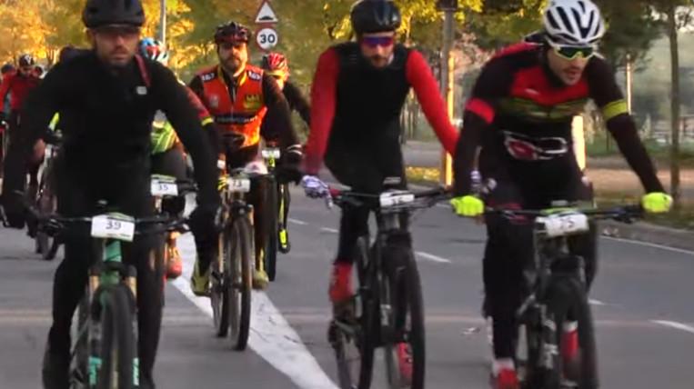 Un centenar de persones participen a la 12a Transcollserola BTT de la Unió Ciclista Sant Cugat