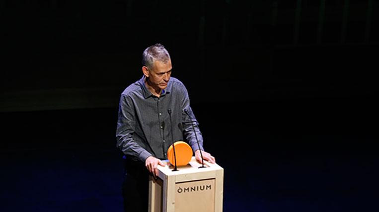 El santcugatenc Lluís Calvo, Premi Carles Riba de poesia