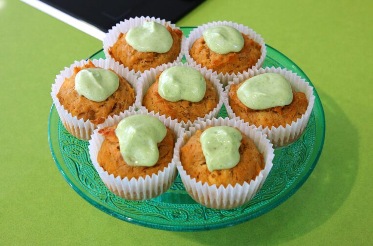Cupcakes de tonyina i maionesa de coriandre
