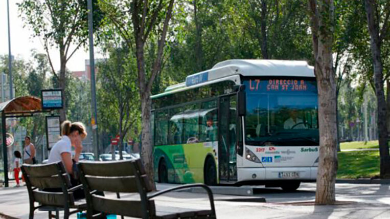 Els autobusos urbans redueixen la freqüència de pas