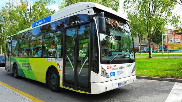 L'ajuntament modificarà rutes i freqüències dels busos urbans i canviarà part de la flota després de l'estiu