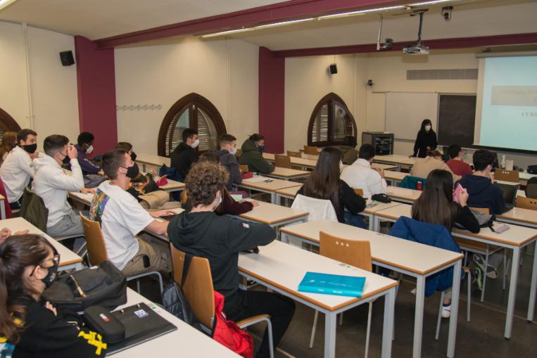Noves restriccions: restauració oberta fins les 17h i universitat presencial al 30%