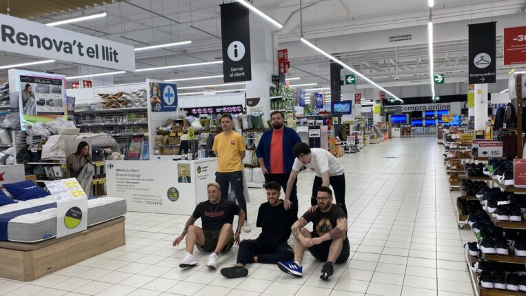 Ibai Llanos juga a fet i amagar al Centre Comercial de Sant Cugat