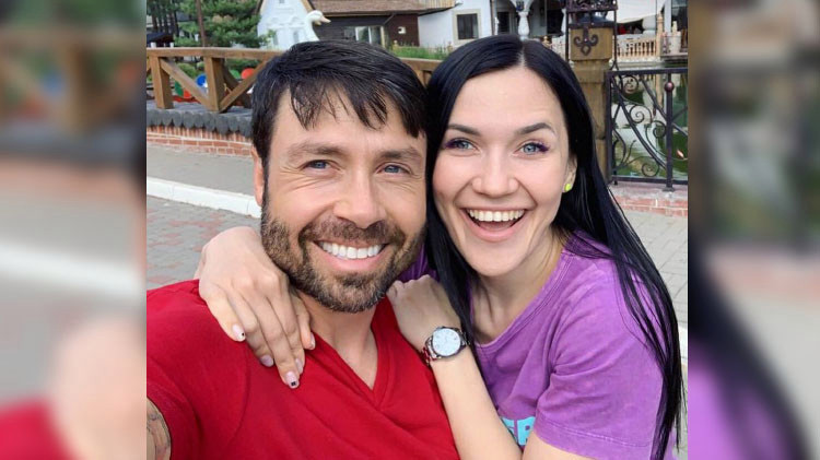 90 Day Fiancé - Former Contestants - Discussion  90-day-fiance-varya-surprise-geoffrey-in-america