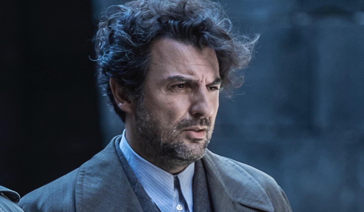 Enrico Ianniello Interpreta Dottor Modo ne Il Commissario Ricciardi. Credits: Anna Camerlingo/Rai