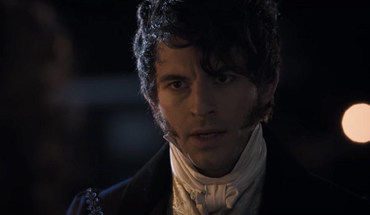 Anthony (Jonathan Bailey) ha perso la sua amata Siena Rosso. Credits: Netflix.