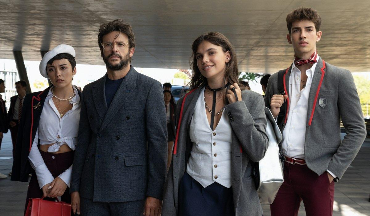 Da sinistra a destra: Carla Díaz (Ari), Diego Martin (Benjamin), Martina Cariddi (Mencía), e Manu Ríos (Patrick). Credits: Niete/Netflix.