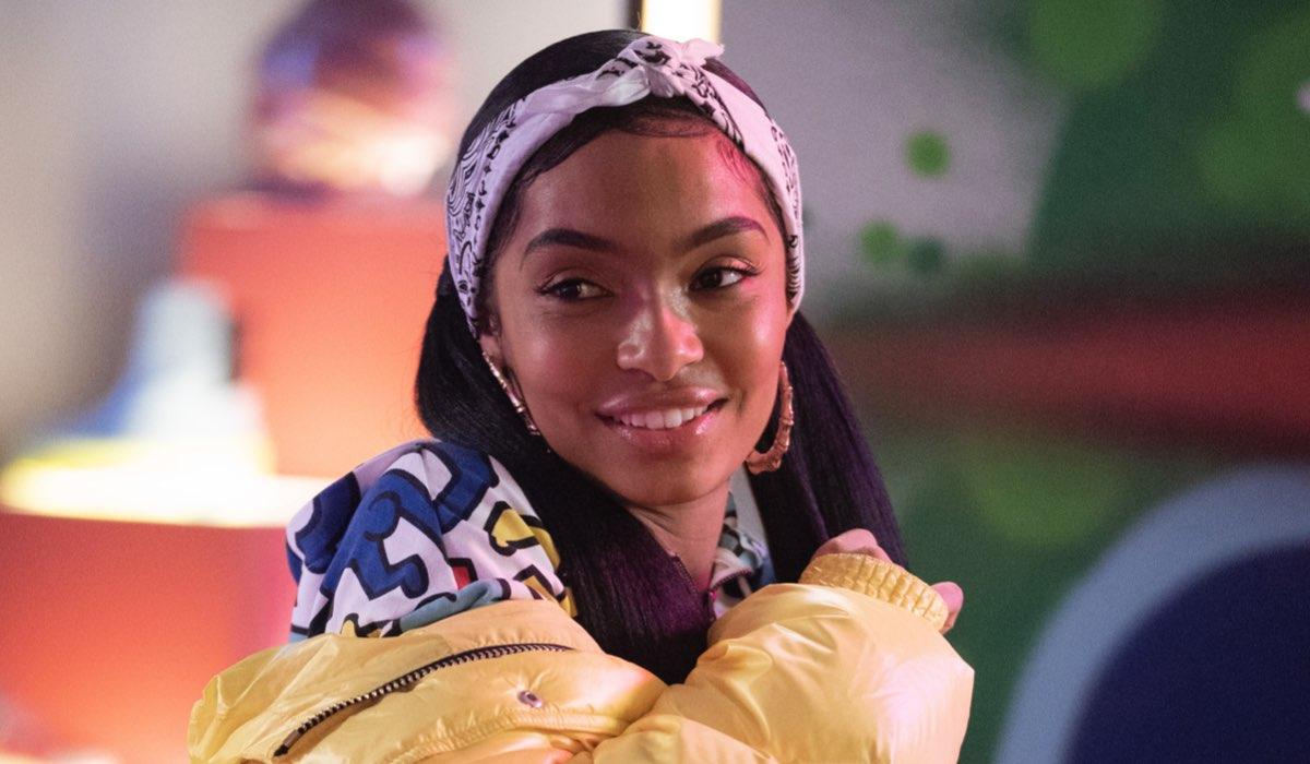 Yara Shahidi nei panni di Zoey in grown-ish. Credits: Star/Disney.