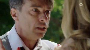Robert aggredisce Ariane, Tempesta d'amore © ARD (Screenshot)