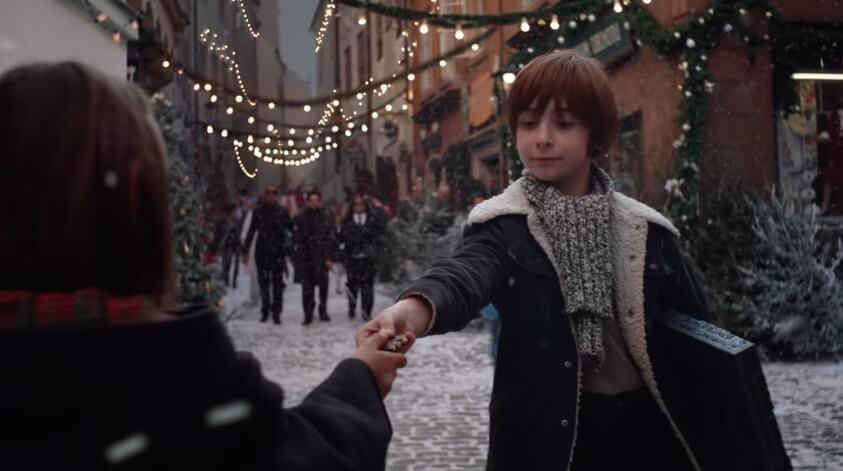 Telekom Weihnachtskalender.Telekom Der Magische Adventskalender Lied Aus Der Werbung Tvsong