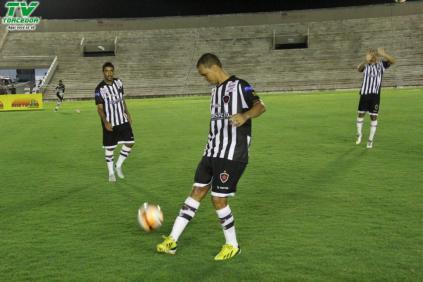 Botafogo 3 x 0 Santa Cruz (37)