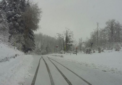 Maltempo, Toscana: neve in Appennino. Alto Mugello: rischio slavine. Chiusa Alpe di Casaglia