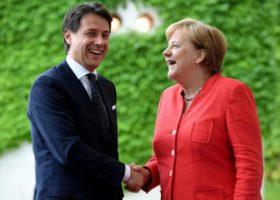 Migranti: Merkel telefona a Conte, il piano viene rivisto.