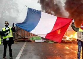 Macron: ho fatto cavolate, oggi annuncia cambio di rotta
