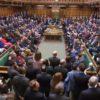 Bocciato dalla Camera dei comuni il piano B di May. No deal più vicino