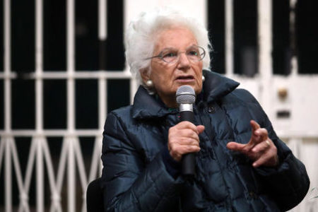 Liliana Segre è stanca, sospende gli incontri nelle scuole